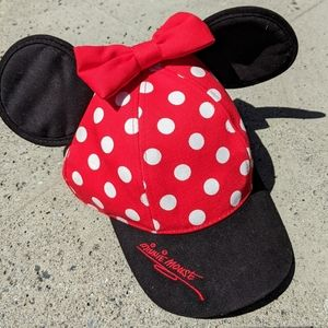 Minnie Mouse Polka Dot Red and White Hat V…